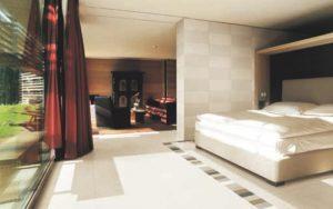 Contoh Pengaplikasi ubin lantai untuk rumah