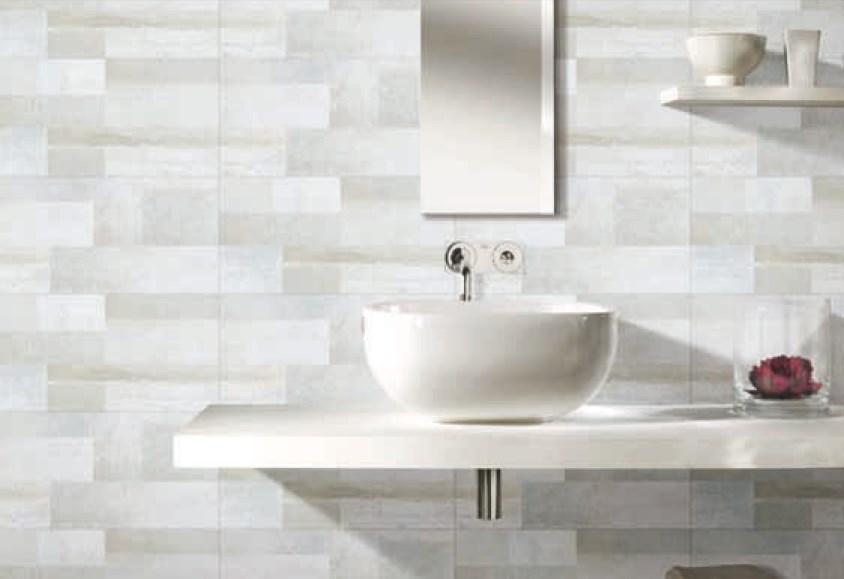 penggunaan keramik dinding berglasir